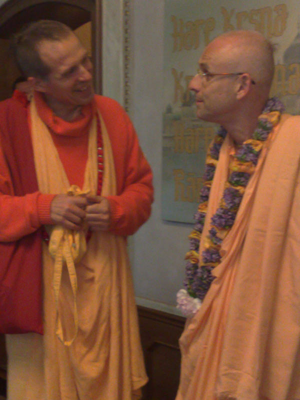 Eurotravels-6-08_KKS-with-Sacinanda-Swami