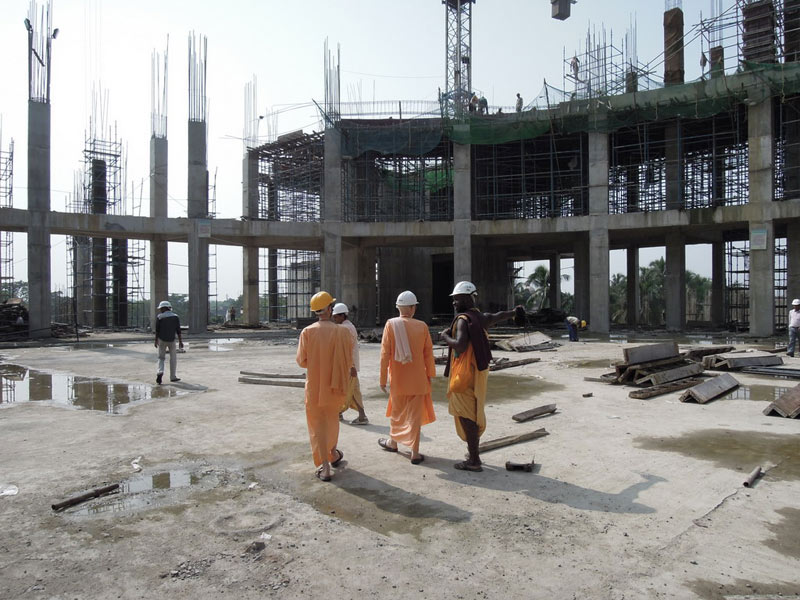 Mayapur_Temple_Construction_2011_03