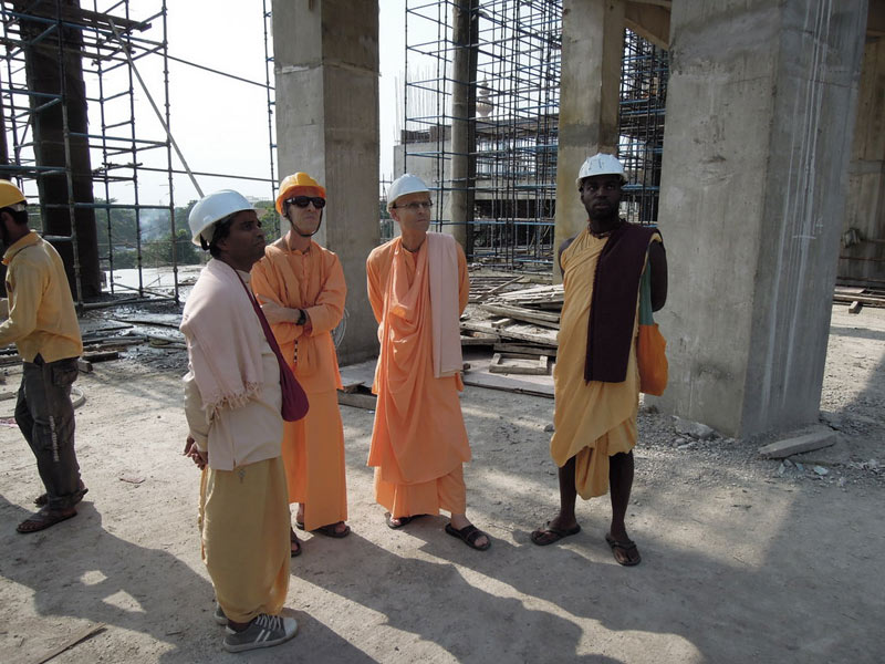 Mayapur_Temple_Construction_2011_04