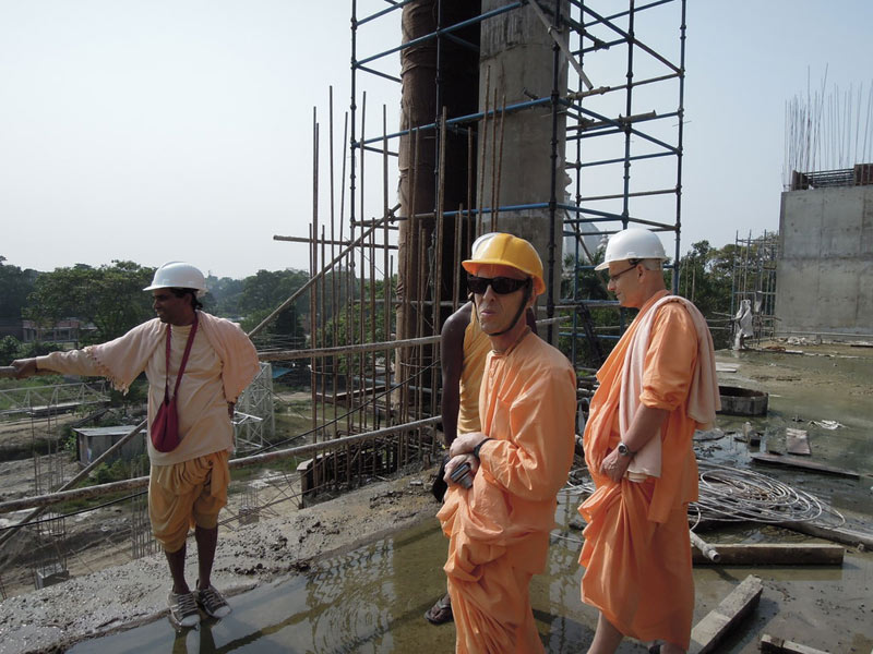 Mayapur_Temple_Construction_2011_06