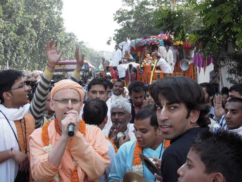 Ratha_Yatra_Chandigarh_2011_17