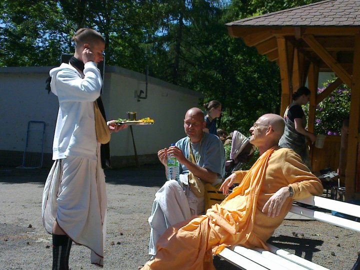 Sadhana-Retreat-2010_03