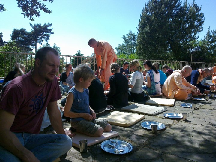 Sadhana-Retreat-2010_04