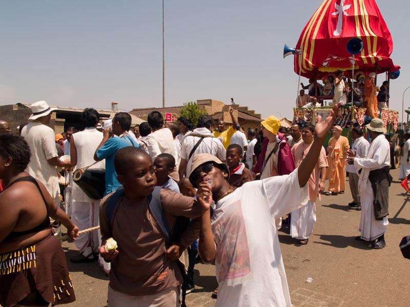 Ratha-Yatra_Soweto_2007_02
