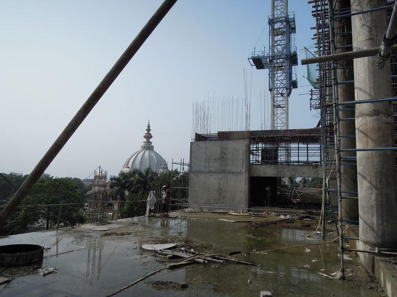 Mayapur_Temple_Construction_2011_07
