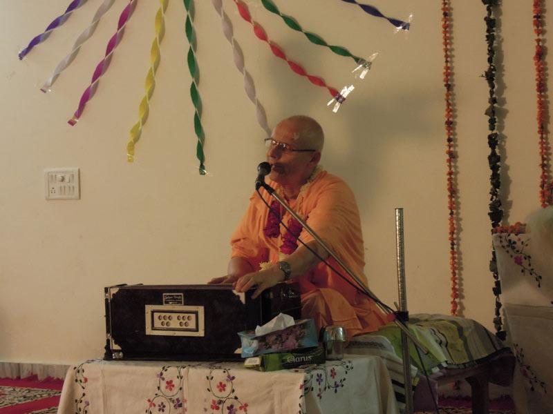 Ratha_Yatra_Chandigarh_2011_03