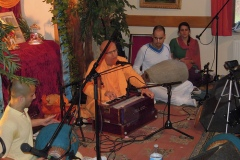 Kirtan Mellows (Radhadesh)- Jan 2012