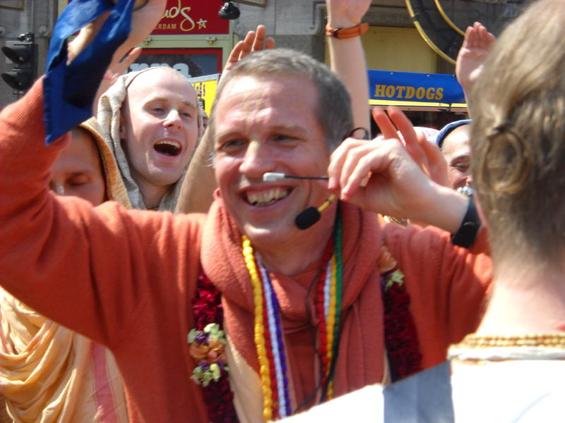 Smiling-SNS-Queensday-Amsterdam-Harinam-2011